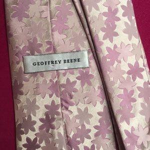 Geoffrey Beane lavender floral tie